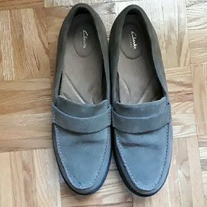 Clarks suede loafers size 11